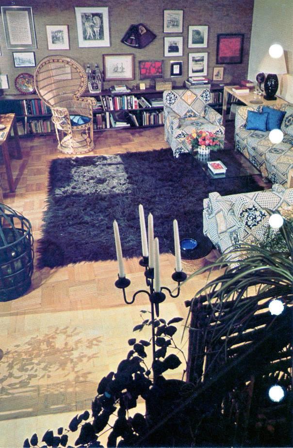 living rooom arrangement